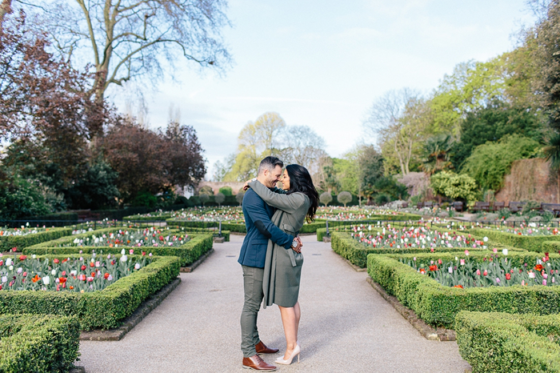 Lucy&Paul Holland Park London Engagement Shoot-31