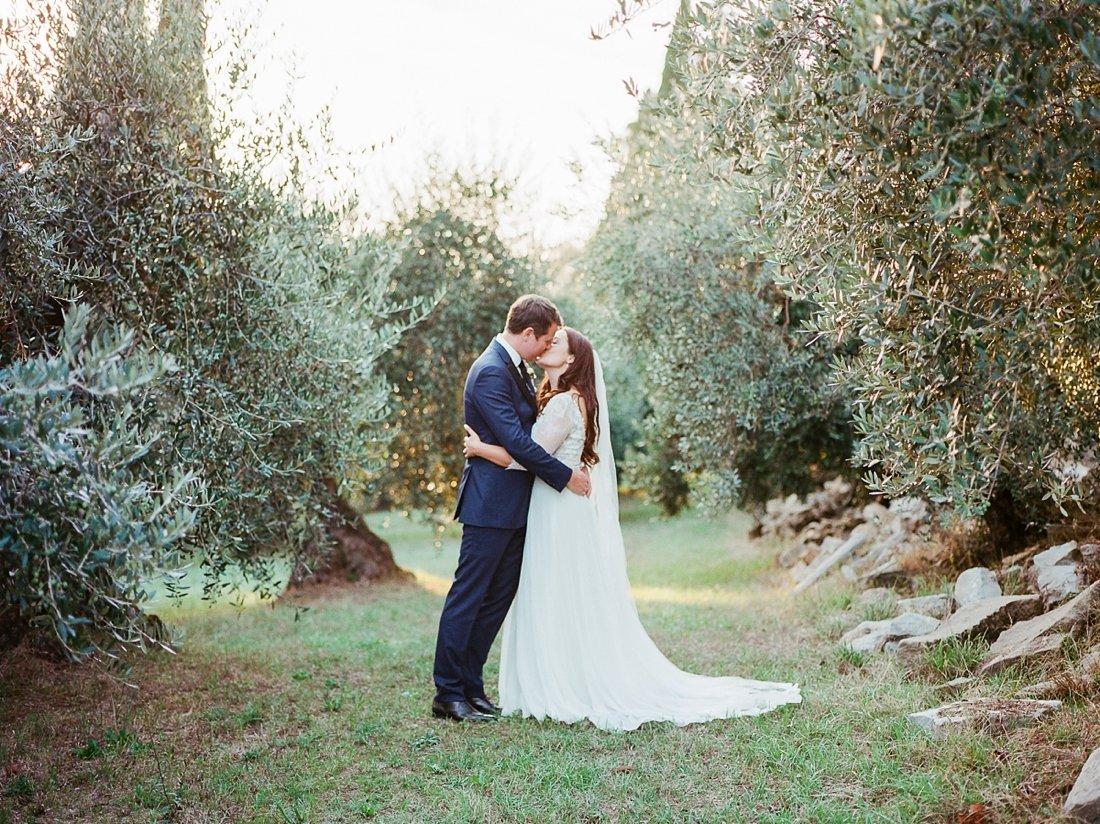 villa-le-fontanelle-tuscany-wedding-julieross-579