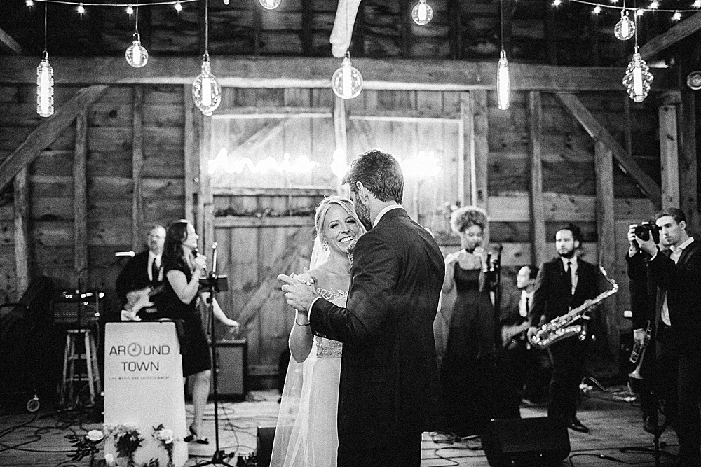 Mount Gulian Wedding Hudson Valley, NY Kylee Yee Photography first dance