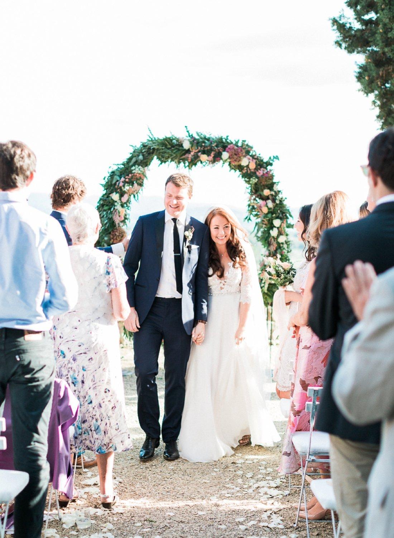 villa-le-fontanelle-tuscany-wedding-julieross-444